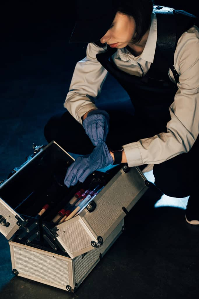 whats in your crime scene kit?